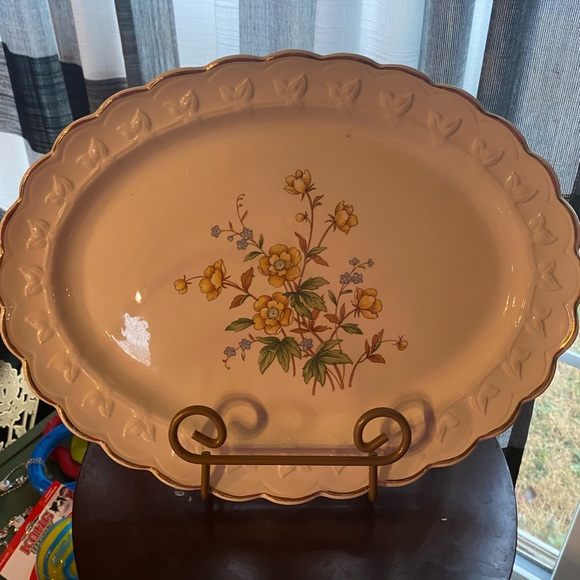 Vintage Taylor Smith 12492 yellow blue platter